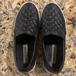 Black Steve Madden slip on shoes